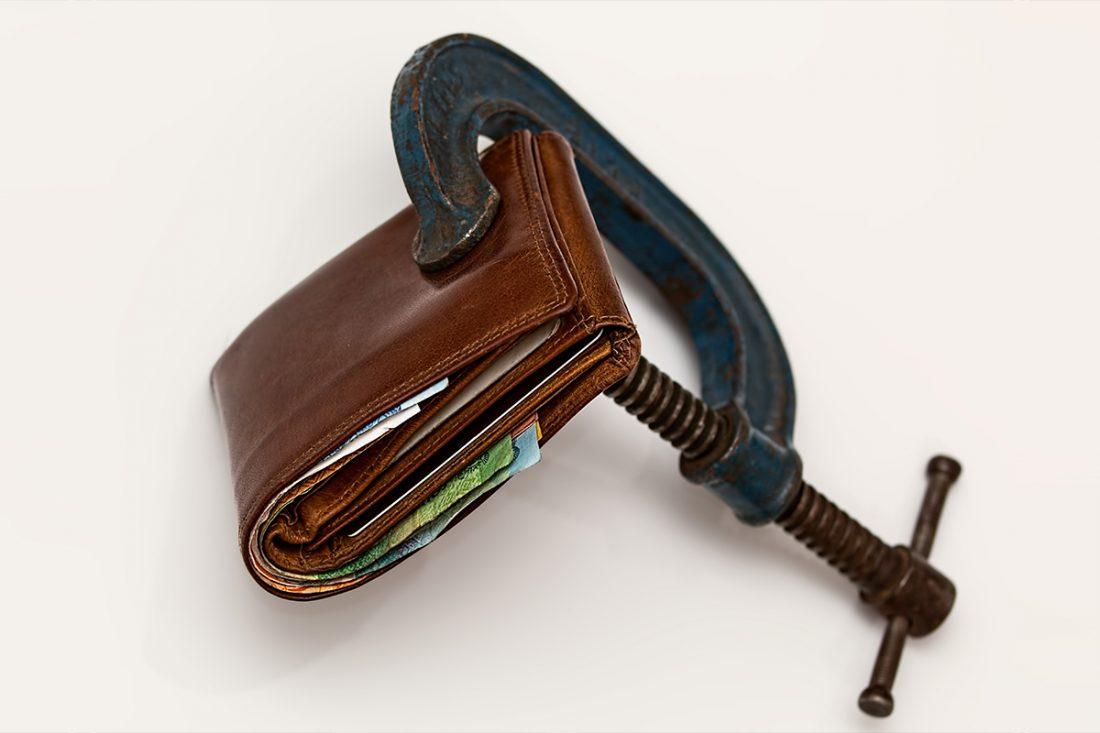 Efecte-ale-dependentei-de-jocuri-de-noroc-asupra-situatiei-financiare